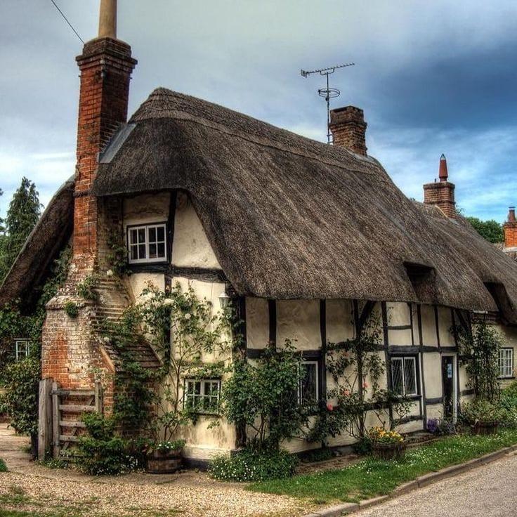 Фахверковый коттедж в Англии